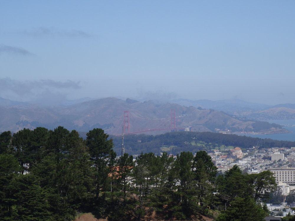 Ausblick von Twin Peaks auf die Golden Gate Bridge.