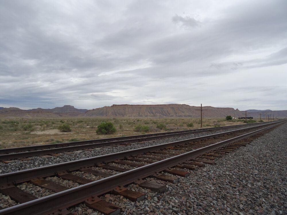 Dieses Foto ist während der Anfahrt zum Arches Nationalpark entstanden. Die Schienen habe ich als interessantes, zusätzliches Motiv genutzt.