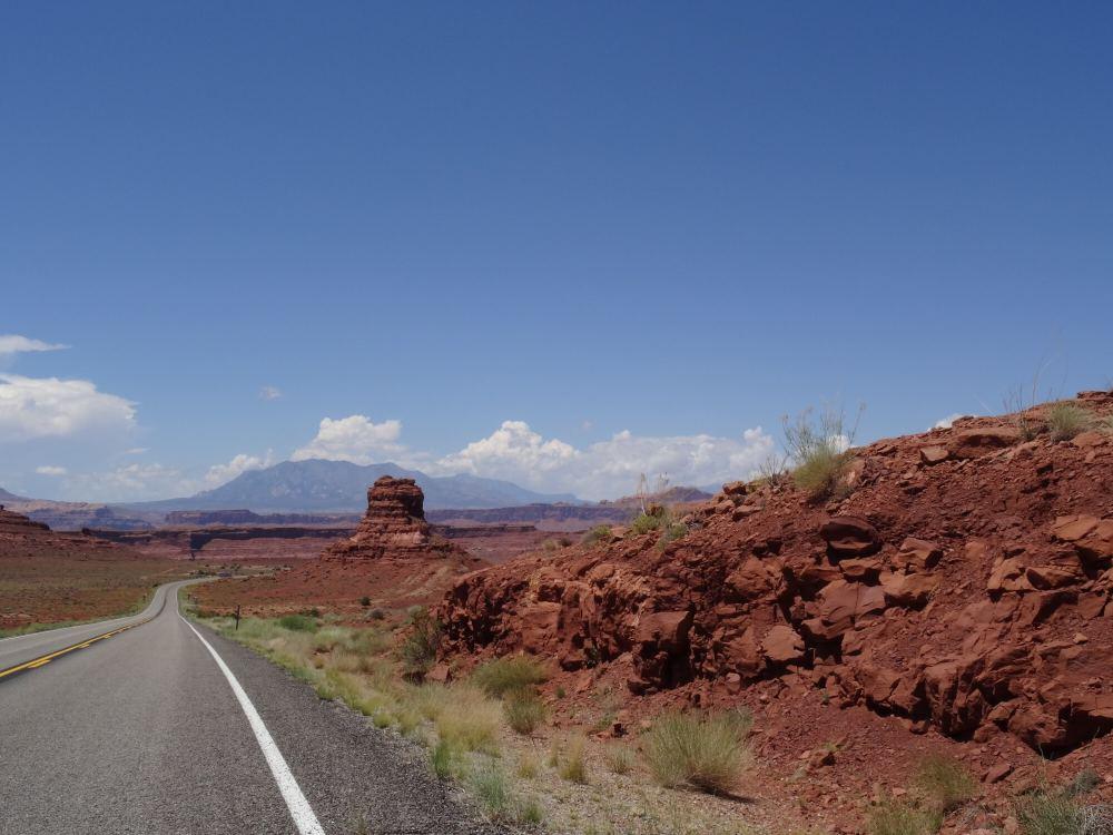 Auf dem Weg zu der Überquerung von Highway 95 über den Colorado River (nördliches Ende des Lake Powells)
