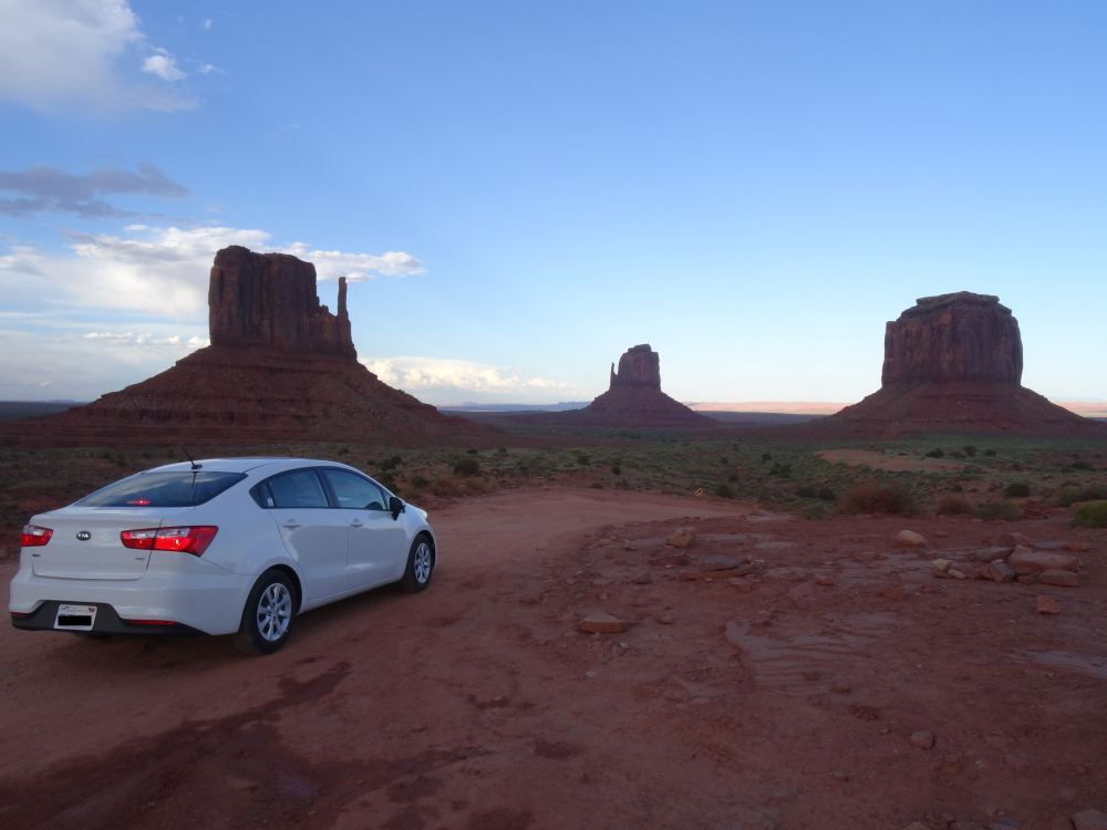 Monument Valley (unser Mietwagen)