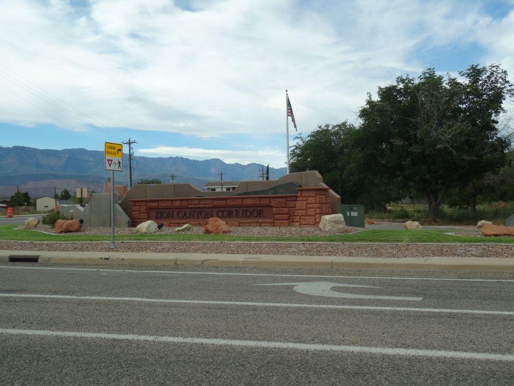 Zion Nationalpark in Utah: Ausfahrt (bzw. der andere Eingang)