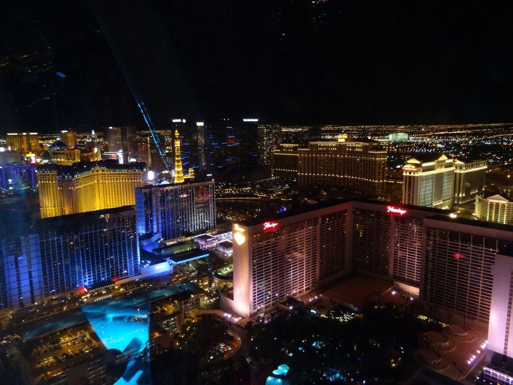 Blick auf Las Vegas bei Nach aus dem High Roller-Riesenrad