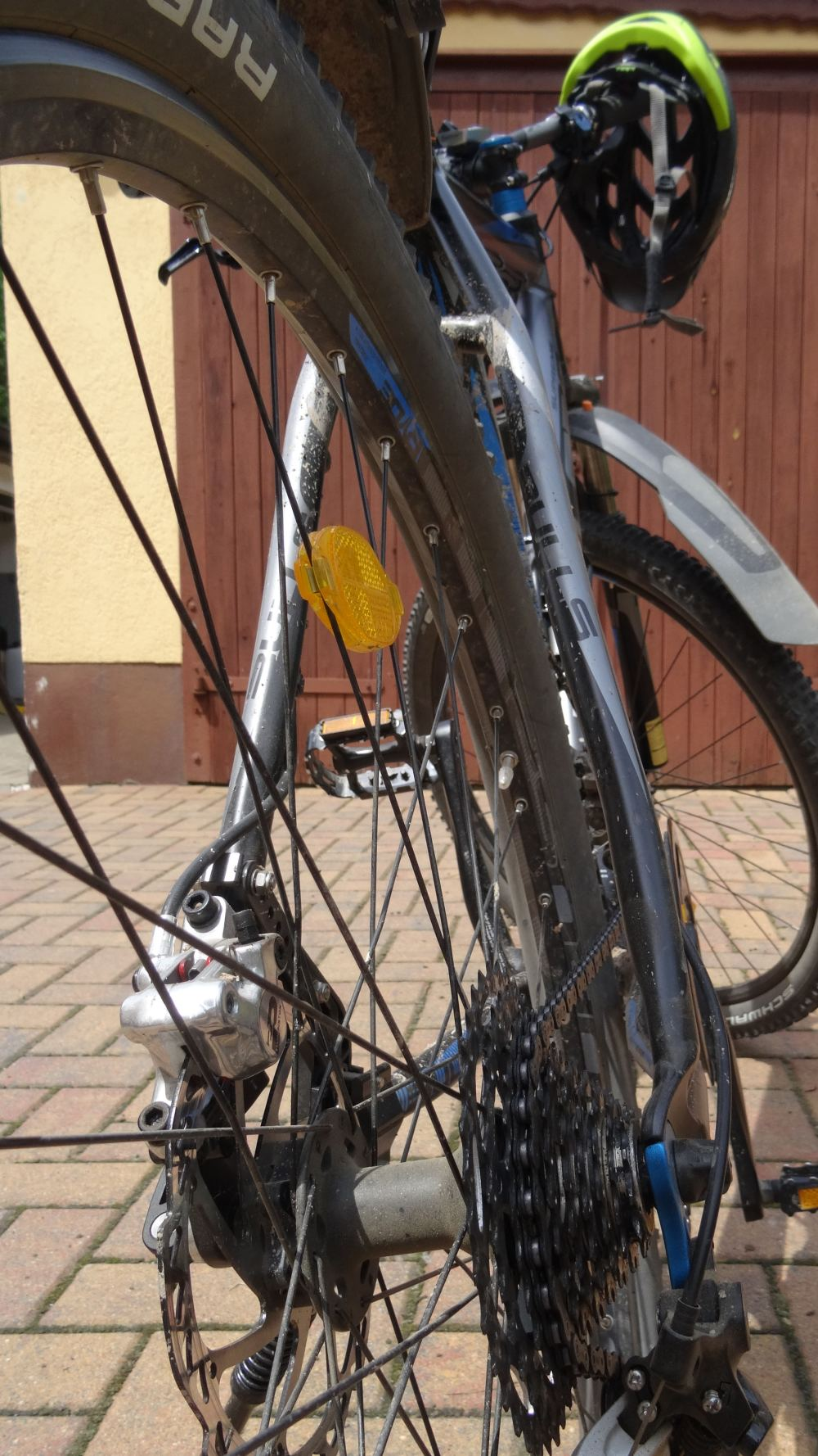 Nahaufnahme Fahrrad (4K, 2160p, 16:9, Hochformat, 14.06.2015)