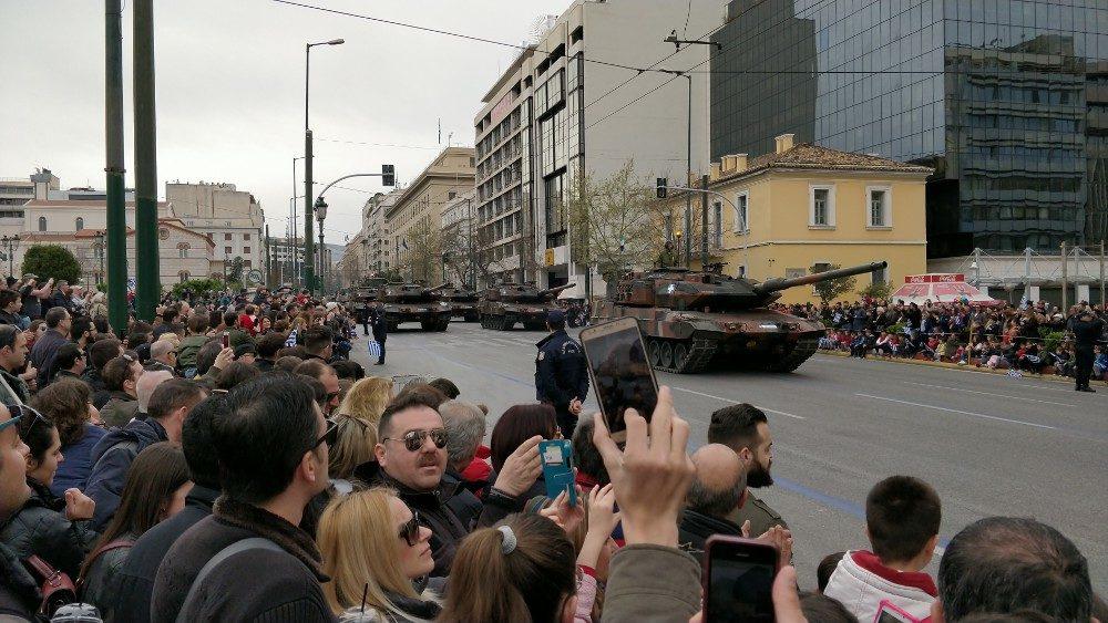Leopard 2-Kampfpanzer, Militärparade, Athen