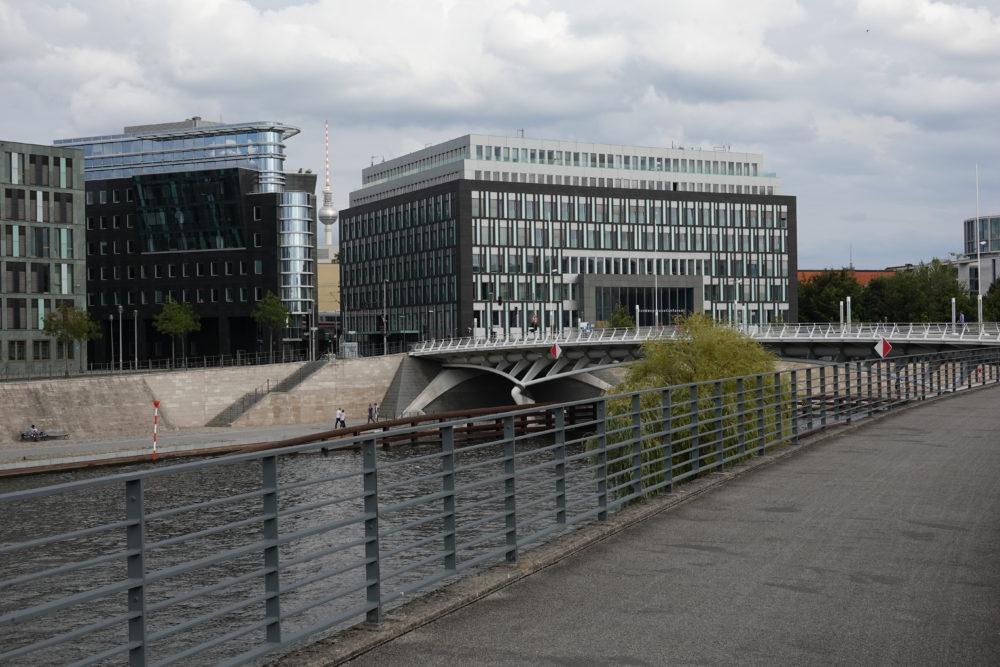 Berlin: Blick auf Fernsehturm aus Regierungsviertel - 01.09.2018- 01.09.2018