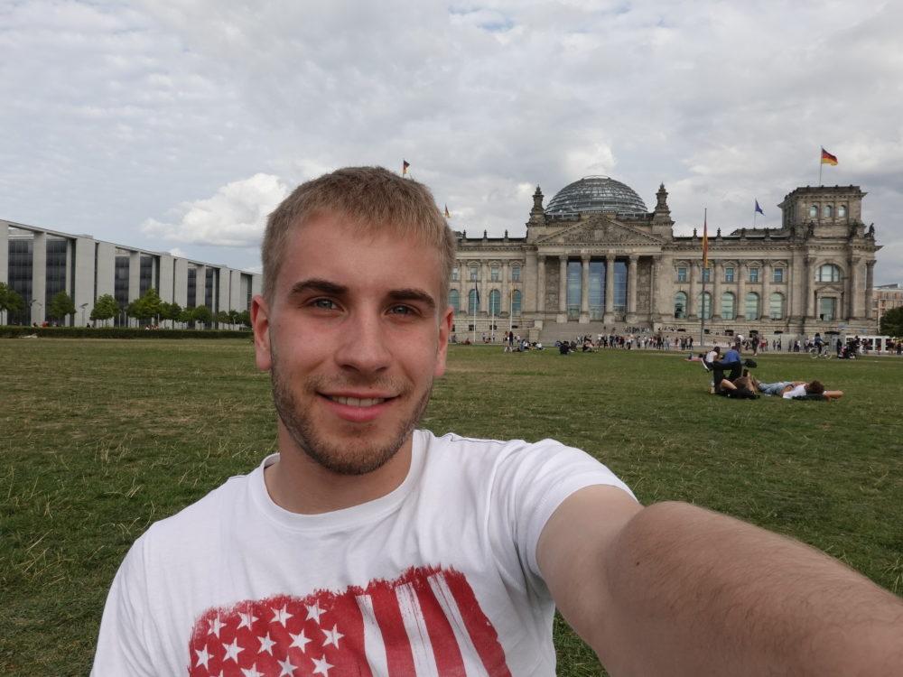 Berlin: Selfie vorm Reichstag - 01.09.2018